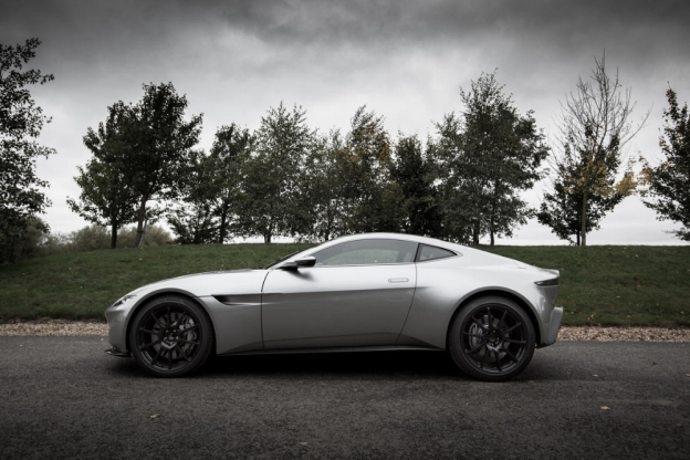 Awesome James Bond Spectre Aston Martin DB10 Gallery And Hands