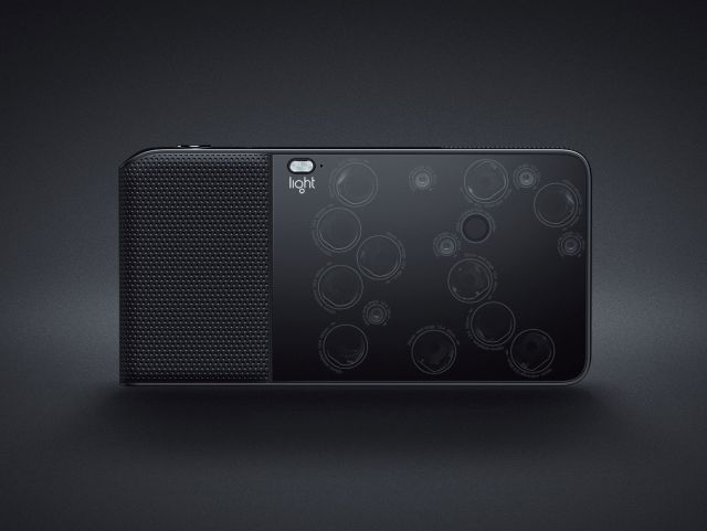 Light L16 Point-and-Shoot DSLR