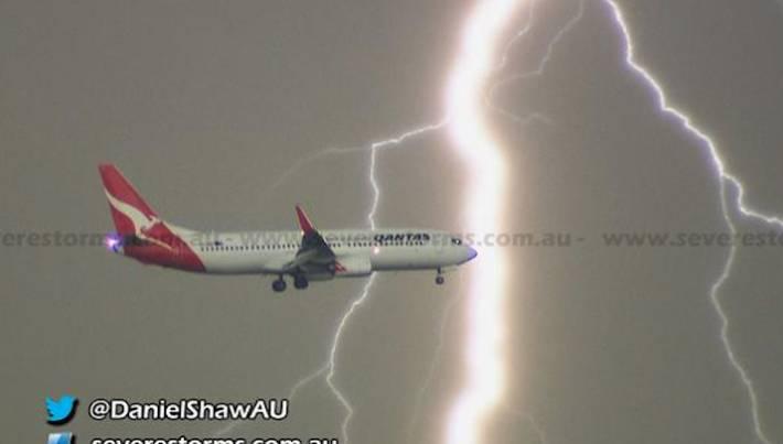 Airplane Landing Lightning Thunderstorm