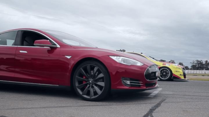 Tesla Model S Vs. Holden V8 Supercar Drag Race Video