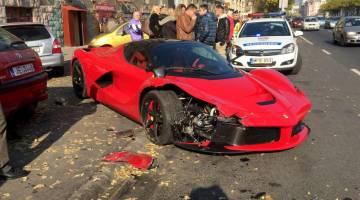 Man Crashes $1.4 Million Ferrari Video