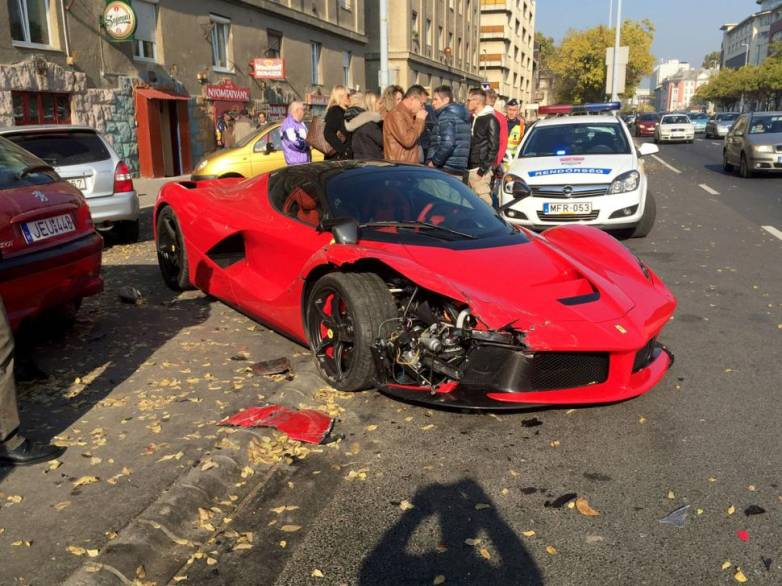 Man Crashes $1.4 Million Ferrari Video
