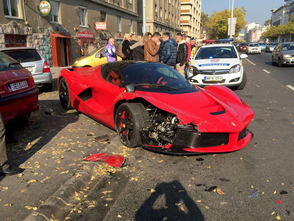 Video Shows Driver Crashing His 1 4 Million Ferrari