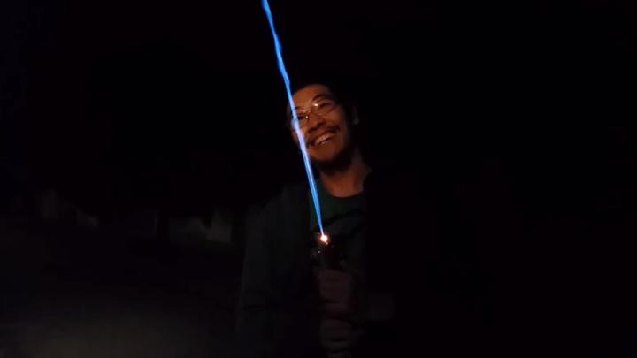 Engineer Makes Working Lightsaber Video