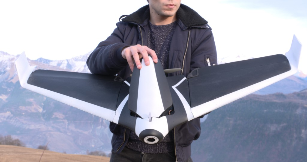 ces-2016-parrot-disco-drone