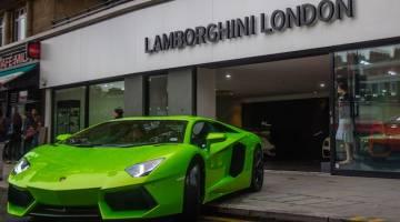 Video Lamborghini Aventador Vs Tesla Model S