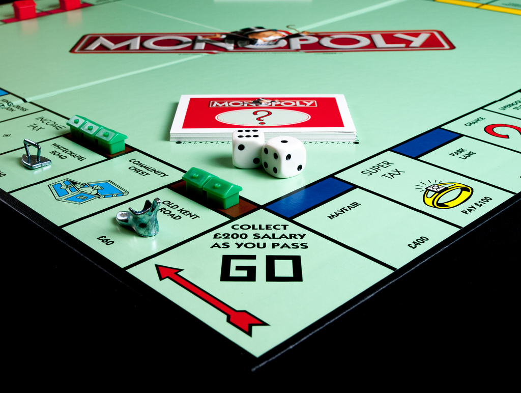 How to win at Monopoly strategy: Hoard all houses | BGR