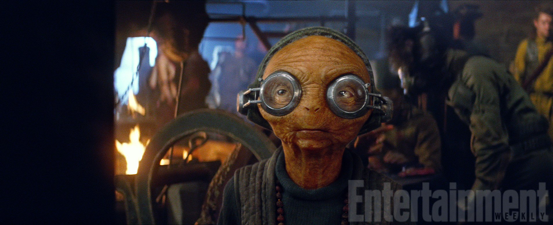star-wars-force-awakens-maz-kanata-official-photo