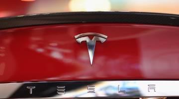 Nissan Trolls Tesla Model 3