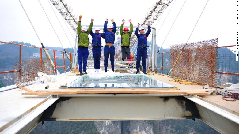zhangjiajie-glass-bridge-cnn-2