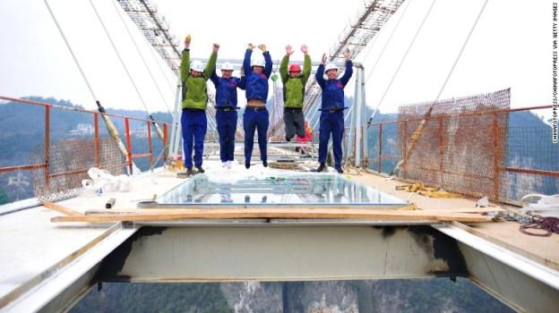 zhangjiajie-glass-bridge-cnn-2
