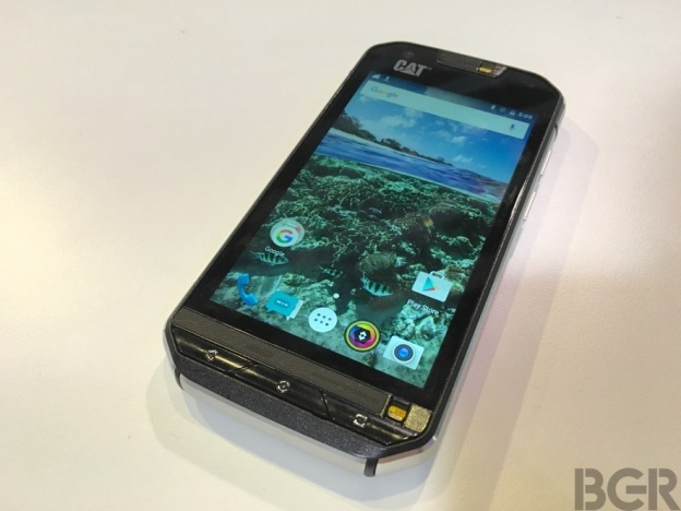 mwc-2016-caterpillar-s60-hands-on-3