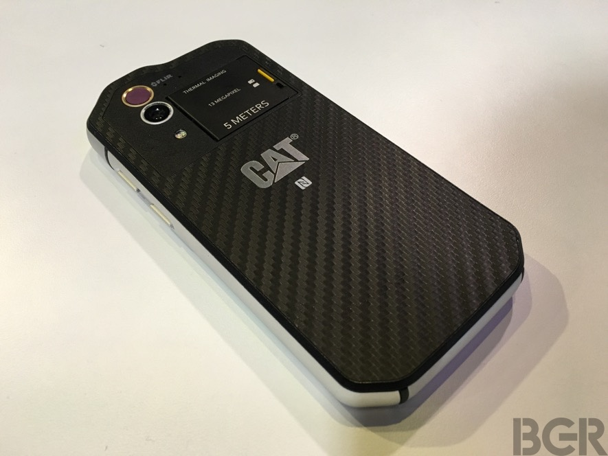 mwc-2016-caterpillar-s60-hands-on-6