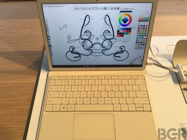 mwc-2016-huawei-matebook-hands-on-8