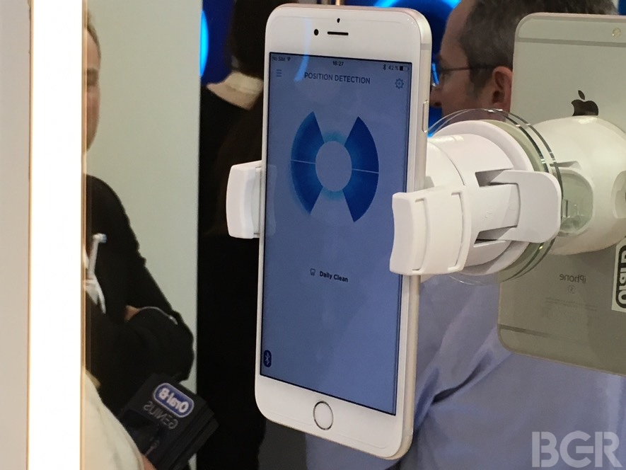 mwc-2016-oral-b-genius-hands-on-11
