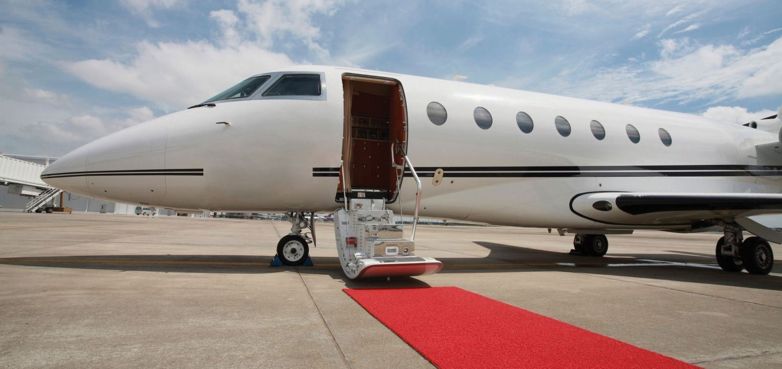 JetSmarter Is The Uber For Private Jets And Heres A
