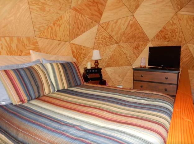 airbnb-most-popular-rental-2