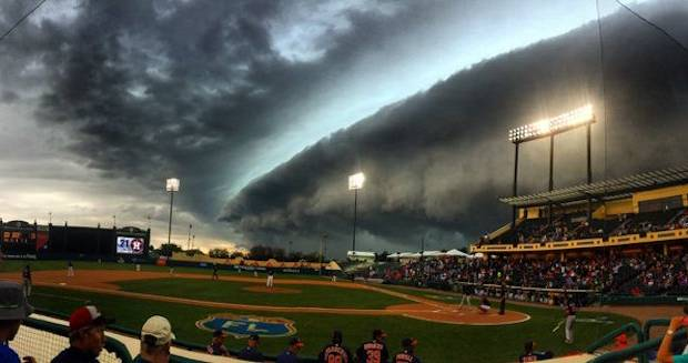 Crazy Storm Braves Astros Game