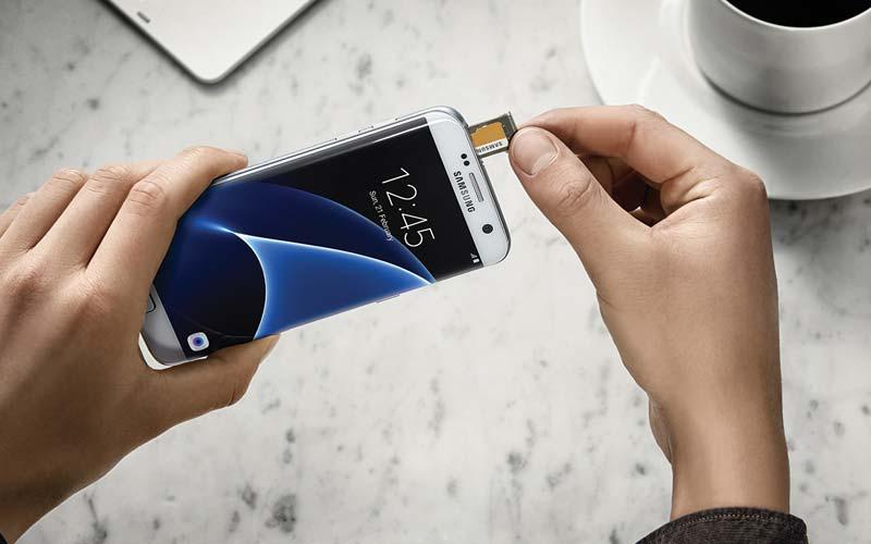 Galaxy S7 Tricks Dual-SIM MicroSD