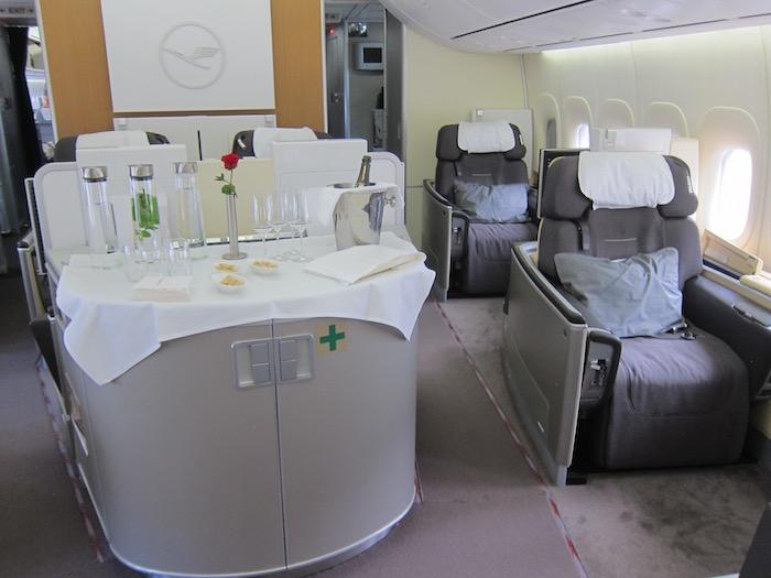 Lufthansa-First-Class-747-2