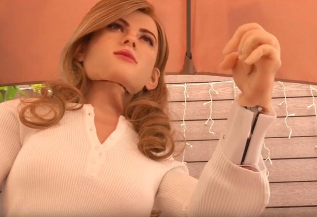 Man Builds Scarlett Johansson Robot
