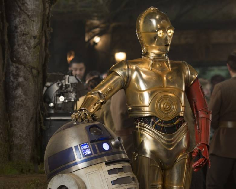 Star Wars The Force Awakens C-3PO Red Arm Explained