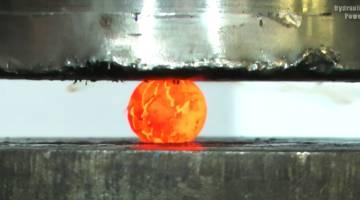 Hydraulic Press Red Hot Nickel Ball
