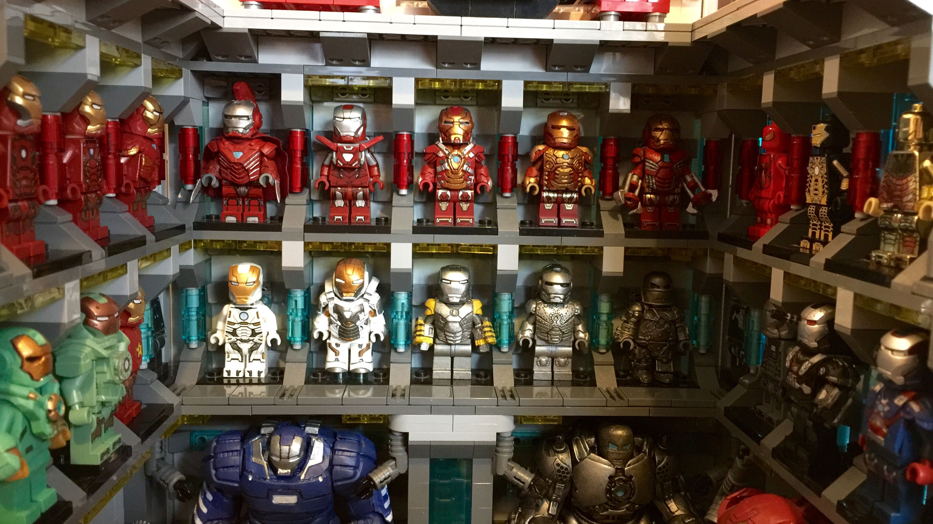 Lego versions of all the Iron Man suits would take so long ... Lego Iron Man 3 Suits