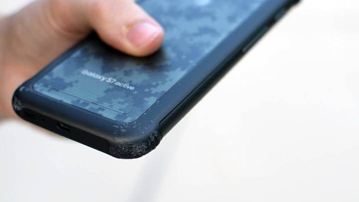 Galaxy S7 Active Drop Test
