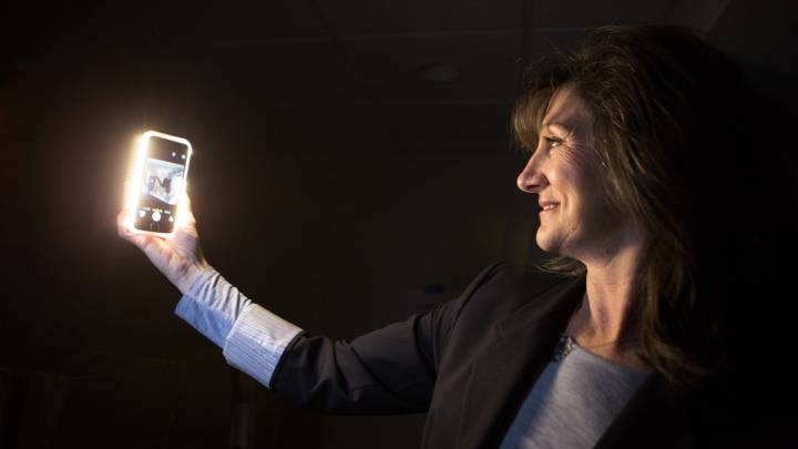 iPhone Selfie Flash Case