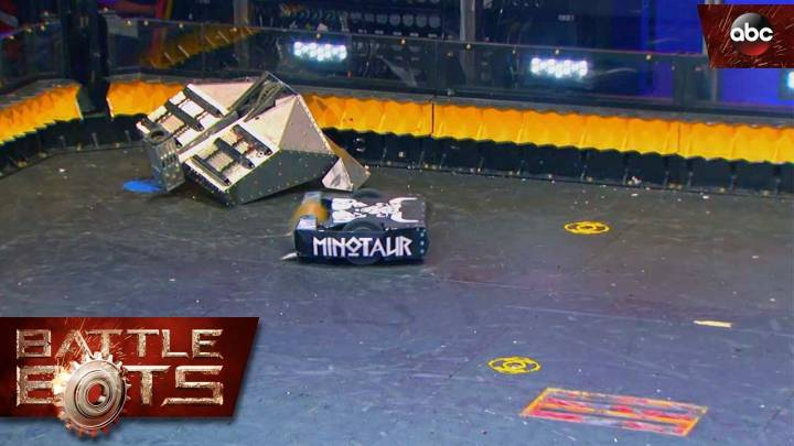 Battlebots Minotaur vs Blacksmith Highlights