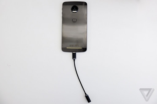 moto-z-usb-c-to-3.5mm-adapter