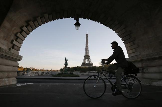 Paris Biking REVe Highway