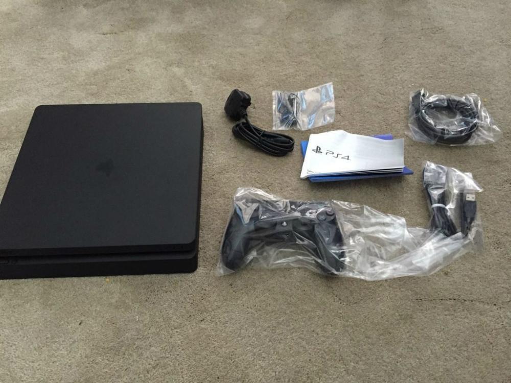 PS4 Slim DualShock 4 Controller