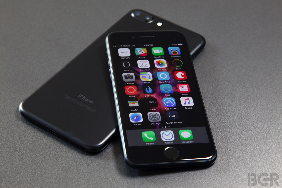 iPhone 7 to MacBook Pro 2016 Adapter