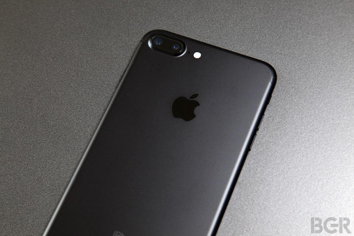 iPhone 7 Plus vs. Galaxy S8