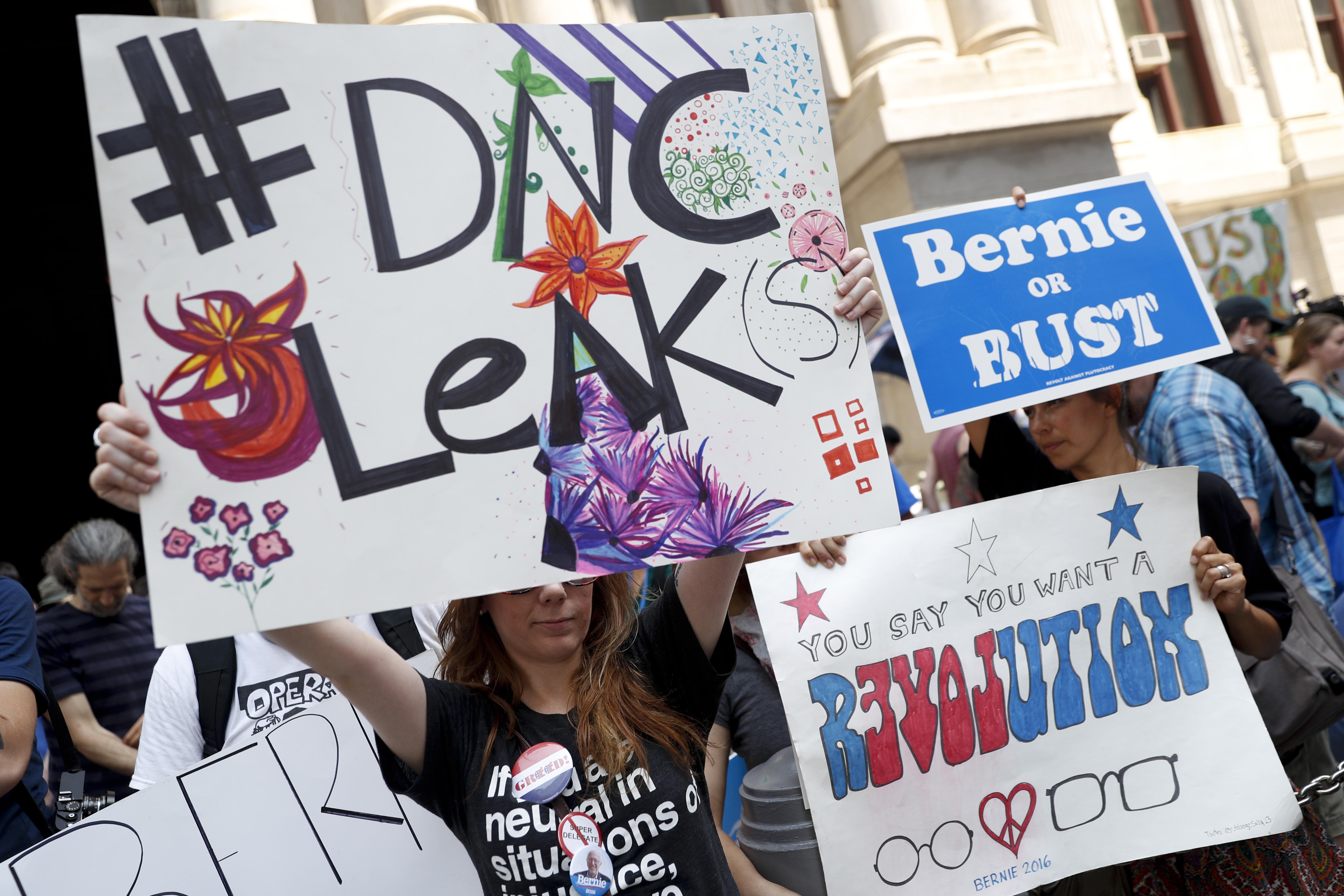 Russia Hacks DNC Emails