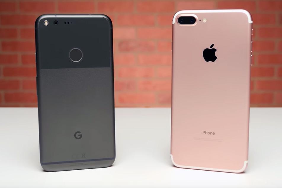 iPhone vs Samsung Christmas