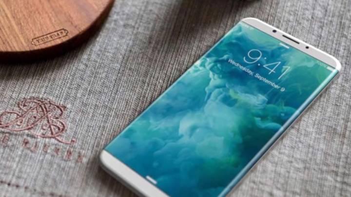 iPhone 8 vs. Galaxy S8: Curved Display