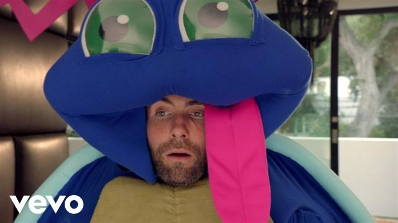 Maroon 5 Don't Wanna Know Music Video