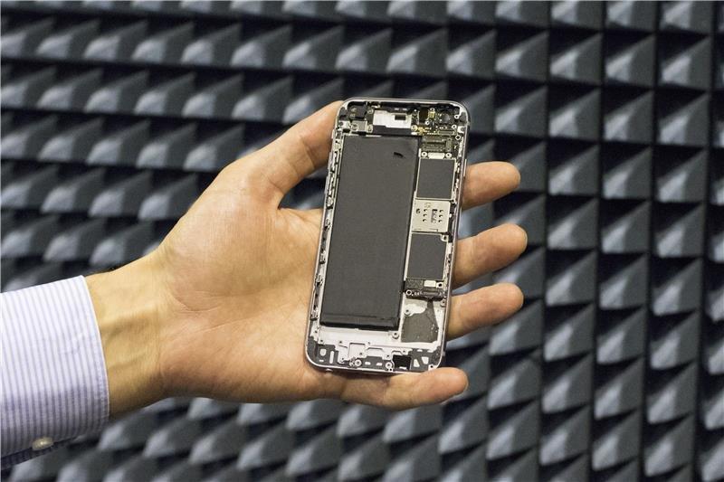 smartphone signal booster
