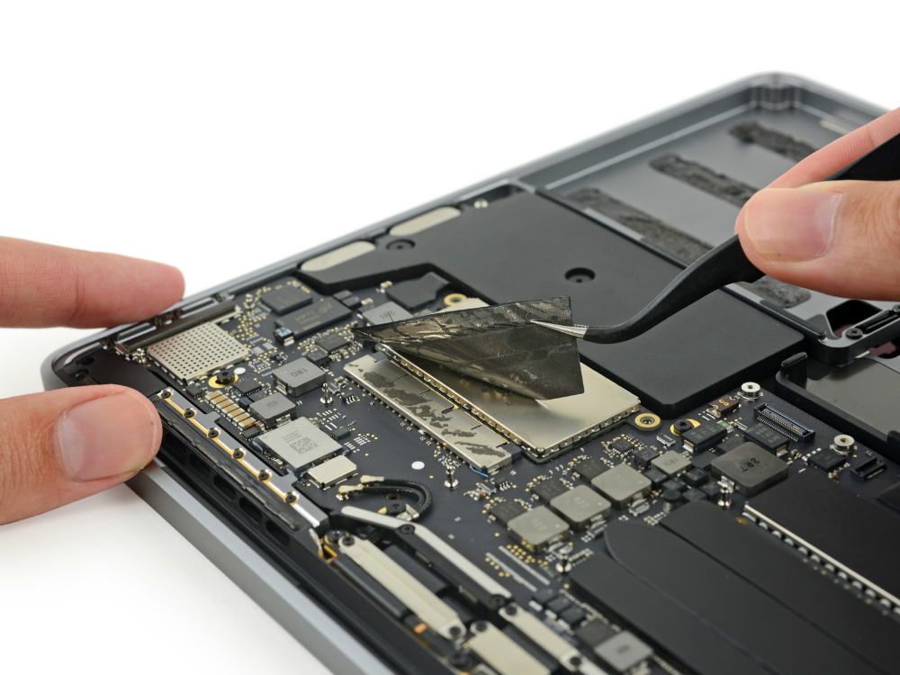 macbook-pro-late-2016-ssd-upgrade-ifixit-teardown-1