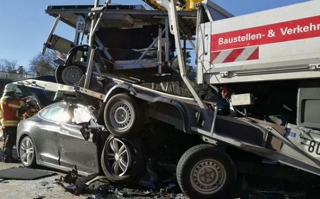 Tesla Model S Crash