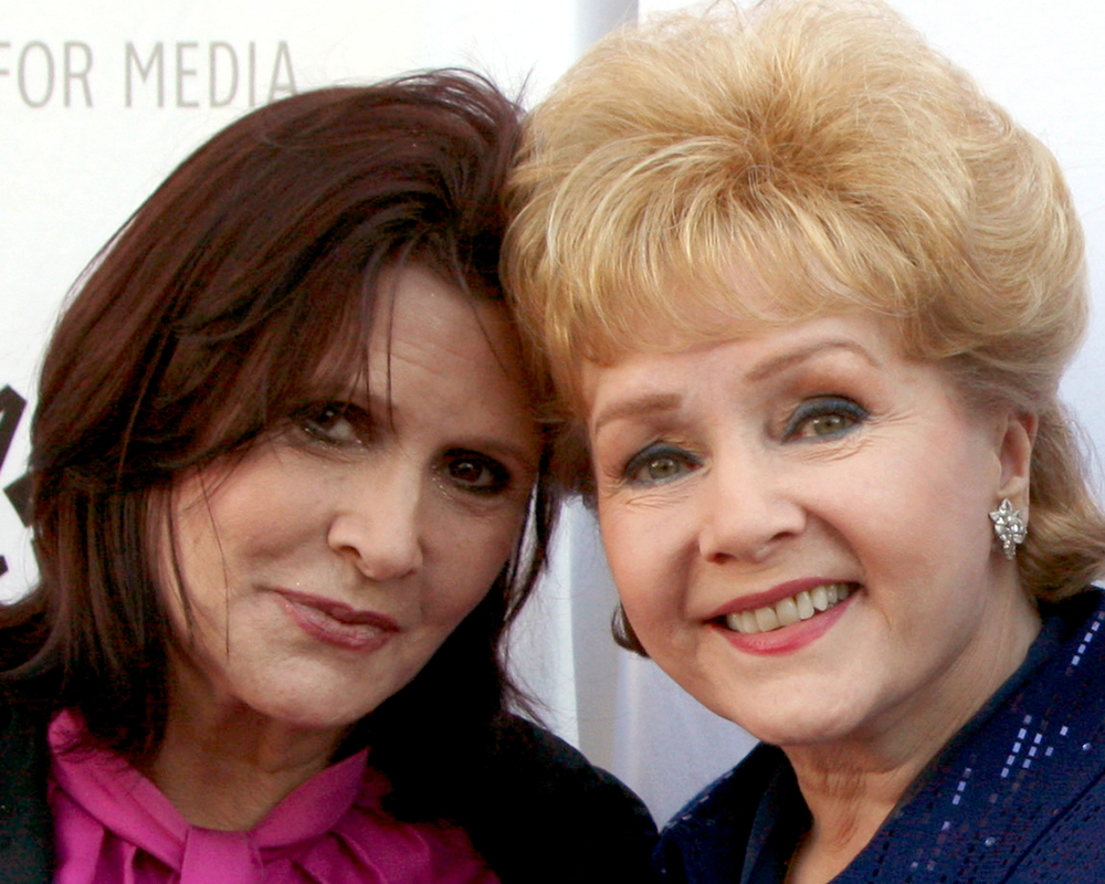 Carrie Fisher's Mother Debbie Reynolds Dead