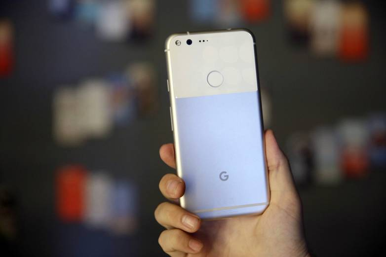 Google Pixel problems, Android update
