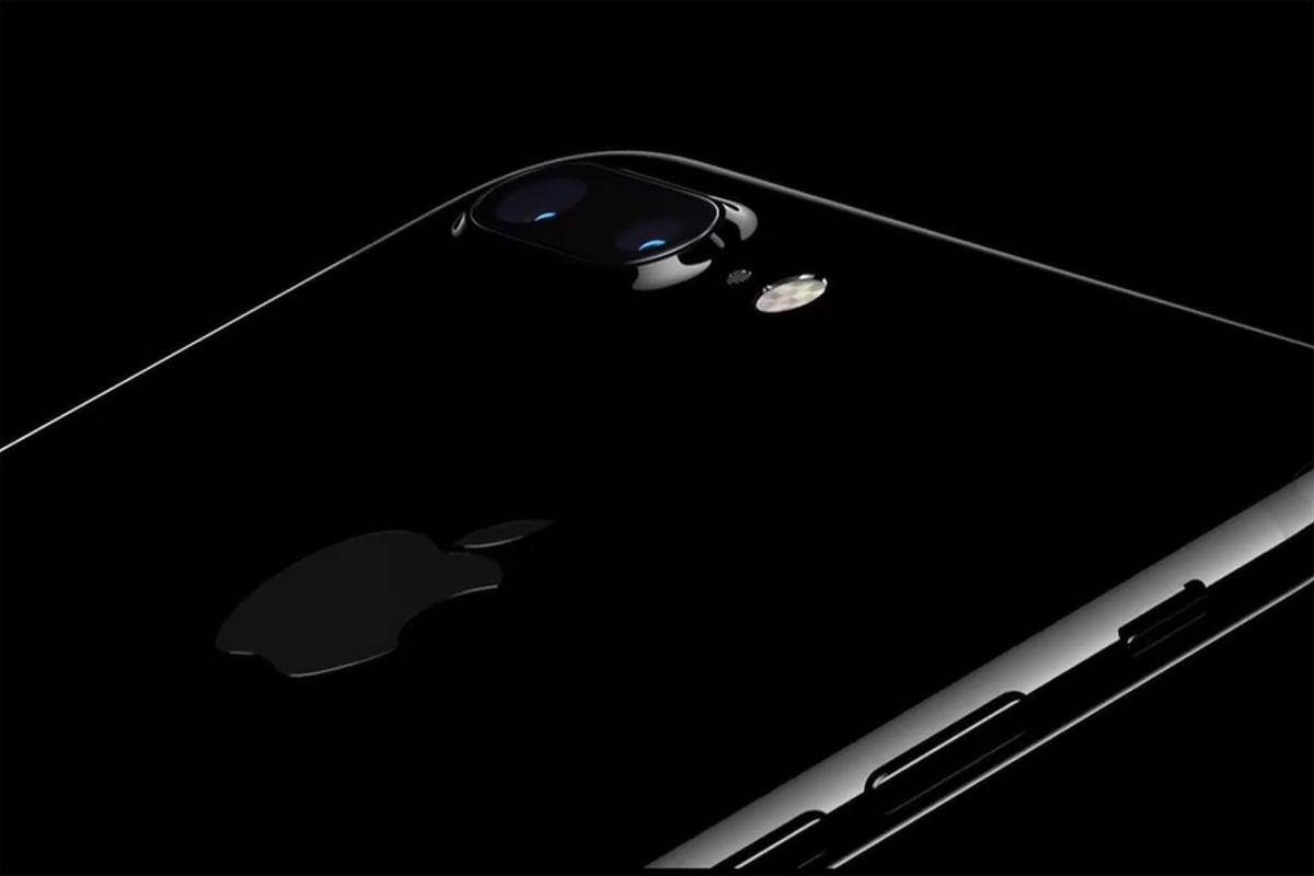 Jet Black iPhone 7 Plus Scratch Test