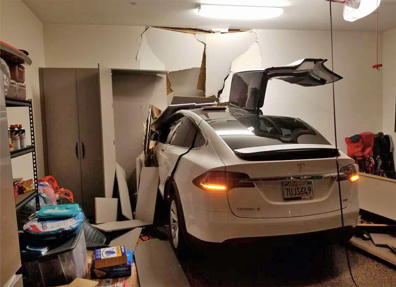 Tesla Lawsuit Crash