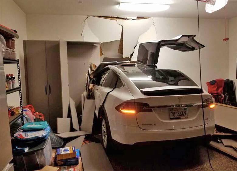Tesla Lawsuit Crash