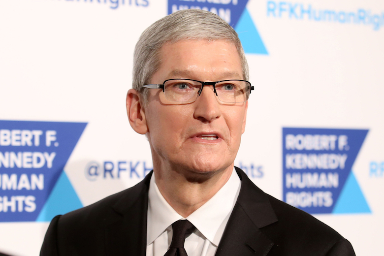Apple Tim Cook Pay Cut