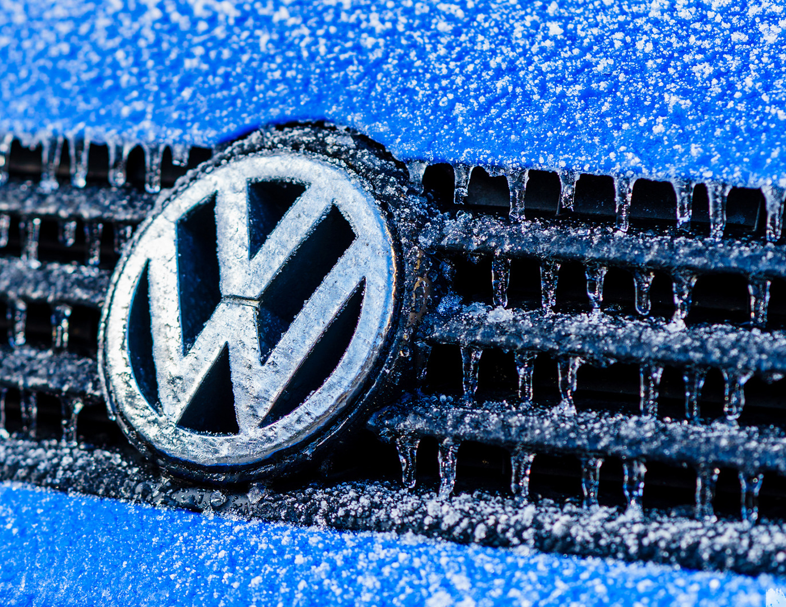 Volkswagen pleads guilty, will pay $4.3 billion to settle criminal ...